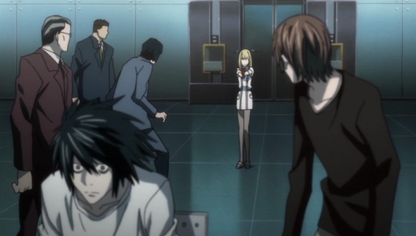 Misa Amane with evidence to prove Higuichi is Kira