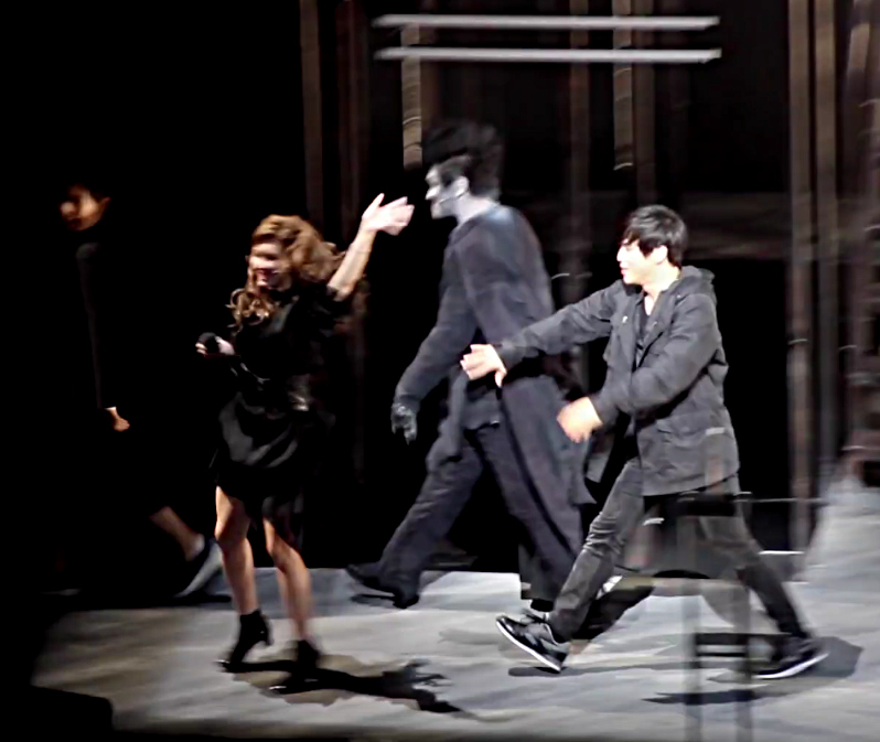 Kwang-Ho Hong reaching for Sun-ah Jung in Death Note Musical Korean curtain call