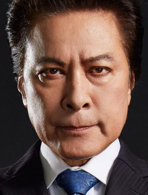 Soichiro Yagami played by Takeshi Kaga