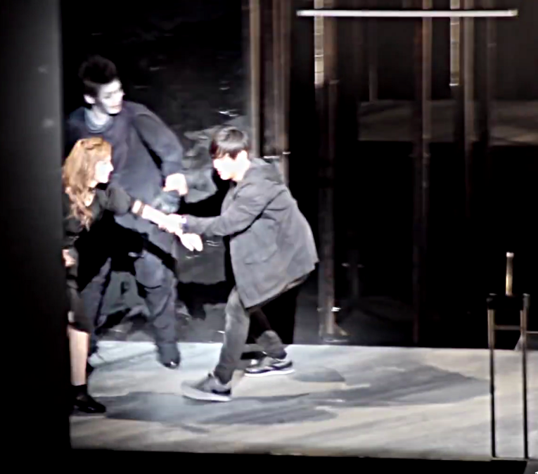 Korean Kira drags Misa and Ryuk back on stage (Death Note Musical)